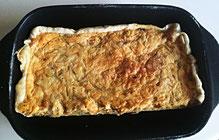 Zwiebel-Chäse-Wähe mit Gewürztraminer