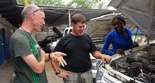 Alle sind zufrieden, Paul der Besitzer, Urs der Vermittler und die nette Mechanikerin