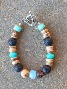 Armkette Armband für Junge mit Kokosrondellen, türkisfarbenen Glasperlen, Lavaperlen und Acai Perlen