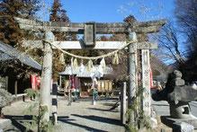 七福神の揃い彫刻が残る菅原神社