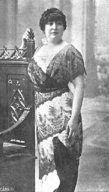 Carmen de Burgos, Colombine, (1867-1932) primera corresponsal de guerra en España. Por Mundo Gráfico, nº 95, 20-08-1913