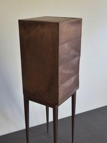 Bronze-Chest im organic Design