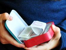 Bild: Pflasterbox als Geschenk aus AnfängerGlück Stoffschultüte