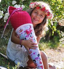 Bild: AnfängerGlück Blumenfee Schultüte in Arm von Mädchen