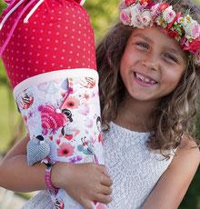 Bild: AnfängerGlück Blumenfee Schultüte auf Arm von Mädchen