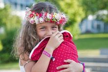 Bild: AnfängerGlück Schultüte in Arm von Mädchen