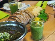 Green Smoothie und Pesto www.kraeuter-entdecken.de
