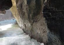 das Elstertal nach einem arktischem Kälteeinbruch am 30.03.2020, mit Blick zum Dachstein, Foto: L. Schneider