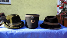 Hüte (diverse Sorten)