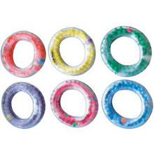 Anneau en PVC avec billes en PVC Grab'n'rings à acheter pas cher. Anneaux avec billes PVC pour les jeux avec enfants de gymnastique rythmique et fitness enfants.