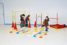 Kit de motricité franchissement pour enfants à acheter pas cher. Matériel de qualité kit de jeu sportif de motricité franchissement.