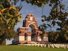 Somme Groupes - Agence de voyages - Réceptif - Baie de Somme - Amiens - Haute Somme - Circuit du souvenir Somme - Mémorial - Première guerre Mondiale - Grande Guerre - Soldats - Champs de Bataille de la Somme - Thiépval - Péronne - Albert