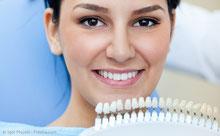 Wie können dunkle Zähne aufgehellt werden?