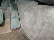 フロアーカーペット 擦れによる欠損 Before