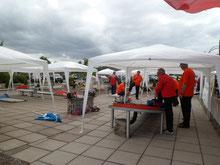 Die Niederländer unter instabilen Zelten