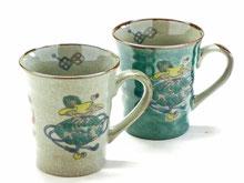 九谷焼『ペアマグカップ』宝尽くし&緑塗り 裏絵