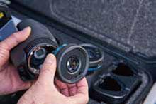 AutoCal™ 光学によりシリーズの全カメラでレンズ( 広角か ら望遠)の共有が可能