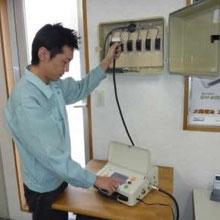 2.I-V測定器による接続箱での測定