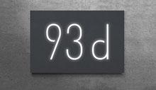 Beleuchtete Hausnummer 93d in anthrazit