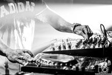 Daniel Gonzalez, Daniel Gonzalez fotógrafo, fotógrafo, fotógrafos, fotógrafo de eventos, fotógrafo de festivales, fotógrafo en España, fotógrafo profesional, DJ, Mixing, DJ Mixing, Festival, Club, Music, EDM music, DJ Nano
