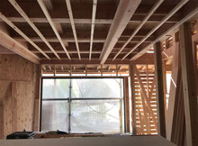 構造の梁が見える天井化粧梁