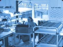 Wir stellen Ihnen flexible manuelle Montagekapazitäten in unserem Haus zur Verfügung