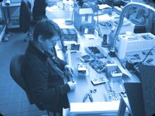Die Praktikanten durchlaufen alle Fachabteilungen unserer Elektronikfertigung