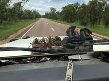 Schuhwerk während der Fahrt aus dem Auto verbannt