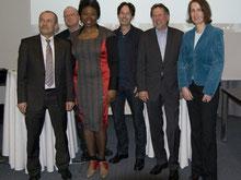v.l.: Jürgen Mehnert (Handelskammer), Till Kobusch (ASM e.V.), Yolander James (Mode-Designerin), Rainer Kopitzki und Manfred W. Schoppe (mehrWEB.net), Petra Ehrhardt (UoG e.V.); Gründerforum 2013