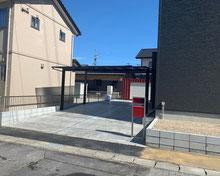 モノトーンの中に赤色が映えるエクステリア  恵那市 S様邸 外構工事
