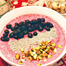 Very Berry Pistachio Smoothie Bowl