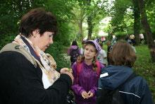 Ob Kindern die Natur erklären oder Nistkästen bauen - jede Hilfe ist willkommen!