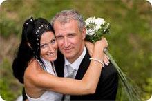 Hochzeitsfoto im Grünen