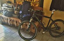 Auch das Bike kommt für den längst fälligen Service mit nach Windhoek