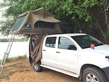 Toyota Hilux Double Cab 4x4 mit Faltzelt