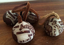 Personifizierte Schlüsselanhänger aus Makalani-Nüssen