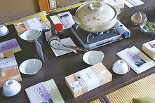 昼食は下田豆腐店の湯豆腐とお弁当