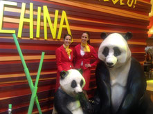 HOSTESSES IN FITUR - CHINA