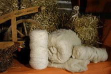 Produkte aus Wolle zum Handarbeiten