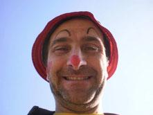 fabiccio pagliaccio spettacoli comici animazione per feste artisti di strada animatori per feste compleanni matrimoni a lucca viareggio pisa livorno grosseto pistoia firenze prato empoli massa carrara arezzo magie mago teatrino burattini clown bolle di sa