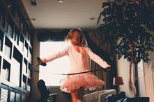 Buche eine Tanzpaedagogin für den Kindergeburtstag