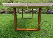 Massiver Gartentisch mit Lärche-Dielen mit rositgem Metallgestell