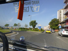 Buggy auf Straße in Olbia