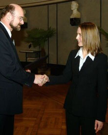 Prof. Dr. Sauerbrey und Stefani Dokupil