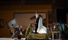 """Szene aus """"Gianni Schicchi"""" (Foto: Karl und Monika Forster/Hessisches Staatstheater Wiesbaden)"""