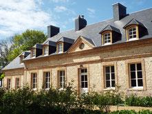 La façade du Manoir de Briquedalles