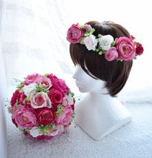 ピンクのバラとラナンキュラスのクラッチブーケ