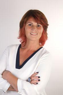 Stefanie Lopez PIMP MY FACE Hamburg Bramfeld - Permanent Make Up - Microblading - Diamantblading - Easycut - Schulungen