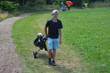 Gewinner Longest Drive Smuel Nusser mit 302 Metern an der 13 - © Golfclub Reutlingen-Sonnenbühl e.V.