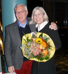 Kuratoriumsvorsitzender Karl-Heinz Sülzenfuß verabschiedet Barbara Krug